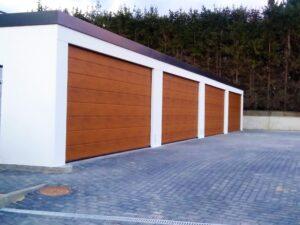Garaże tynkowane szeregowe